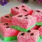 طرز تهیه پف پفی هندوانه ای برای شب یلدا